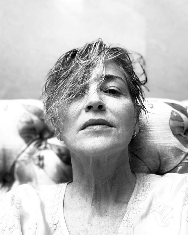 Шэрон Стоун без макияжа поддержала «женский» флешмоб (ФОТО)