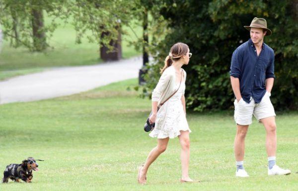 Эмилия Кларк с незнакомцем отправилась на свидание (ФОТО)