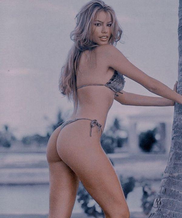 Не узнать: София Вергара показала, как выглядела в 90-х (ФОТО)