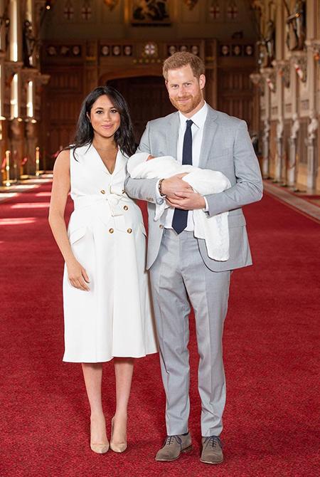 Королева Елизавета поздравила сына Меган Маркл и принца Гарри с днем рождения